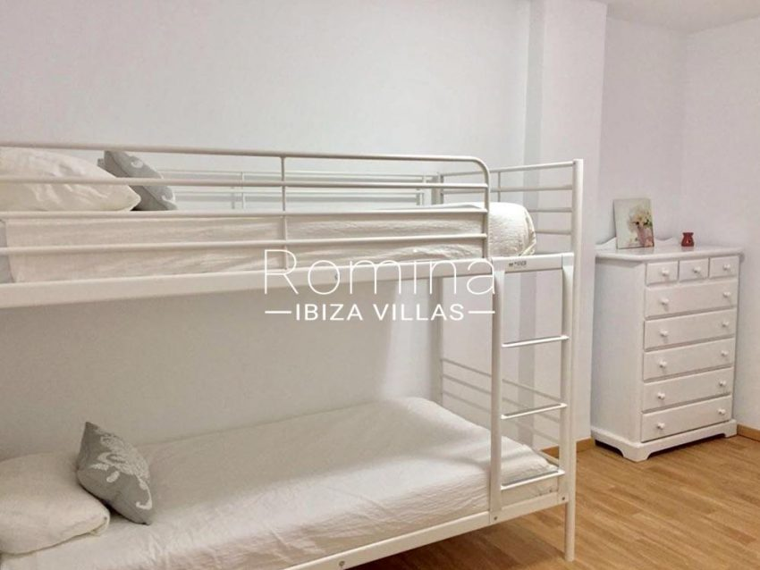 apartamento los molinos ibiza-4bedroom bunk beds