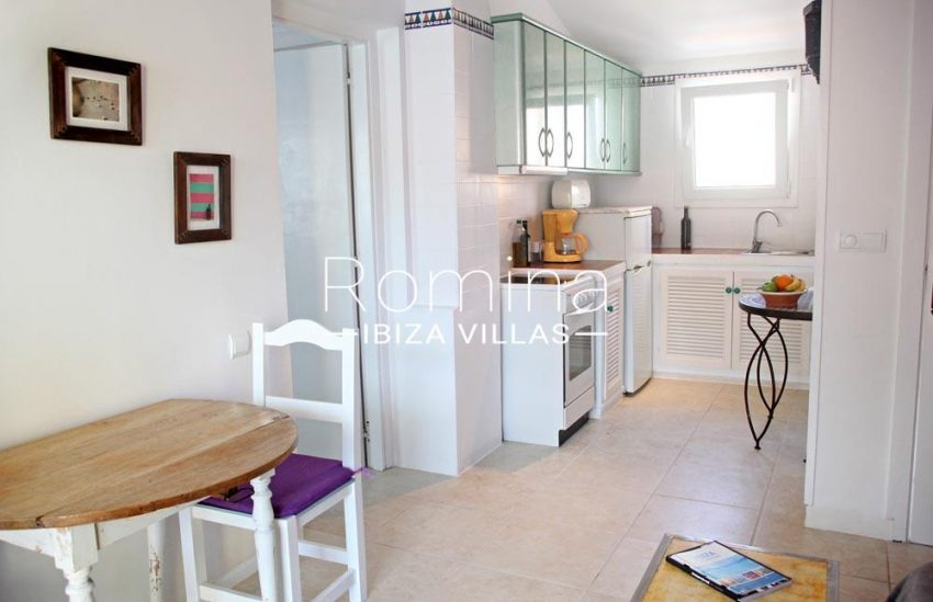 apartamento mar p ibiza-3dining area kitchen