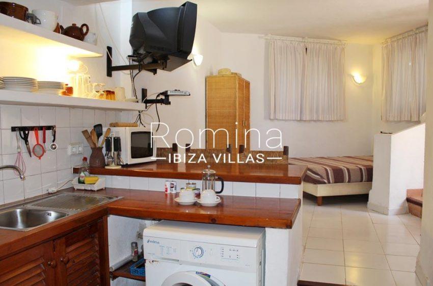 casa erro-3zkitchenette bedroom studio