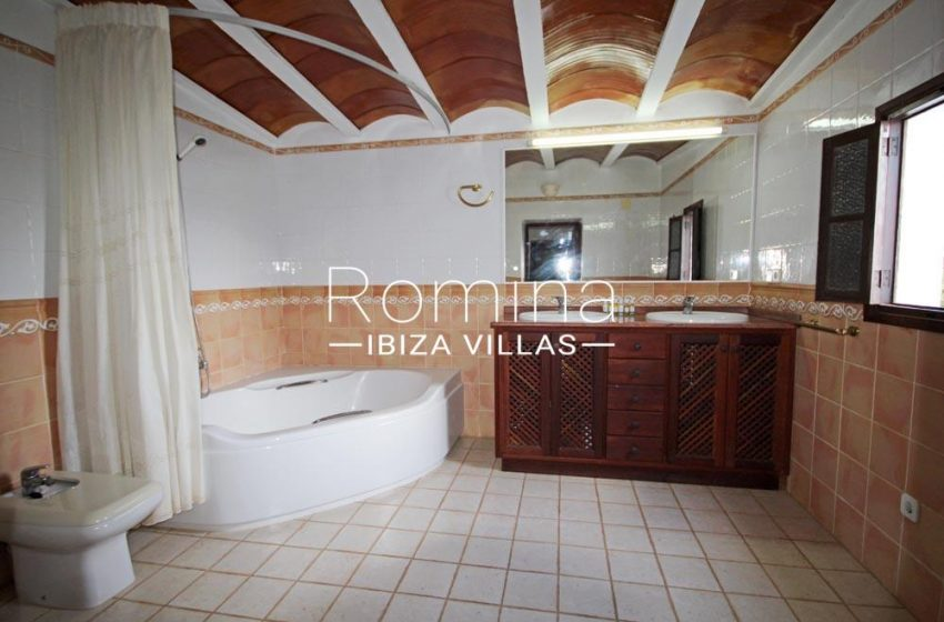 casa harana-5bathroom