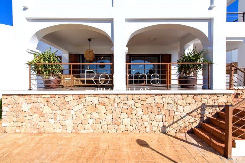 villa aldiz-2facade terrace