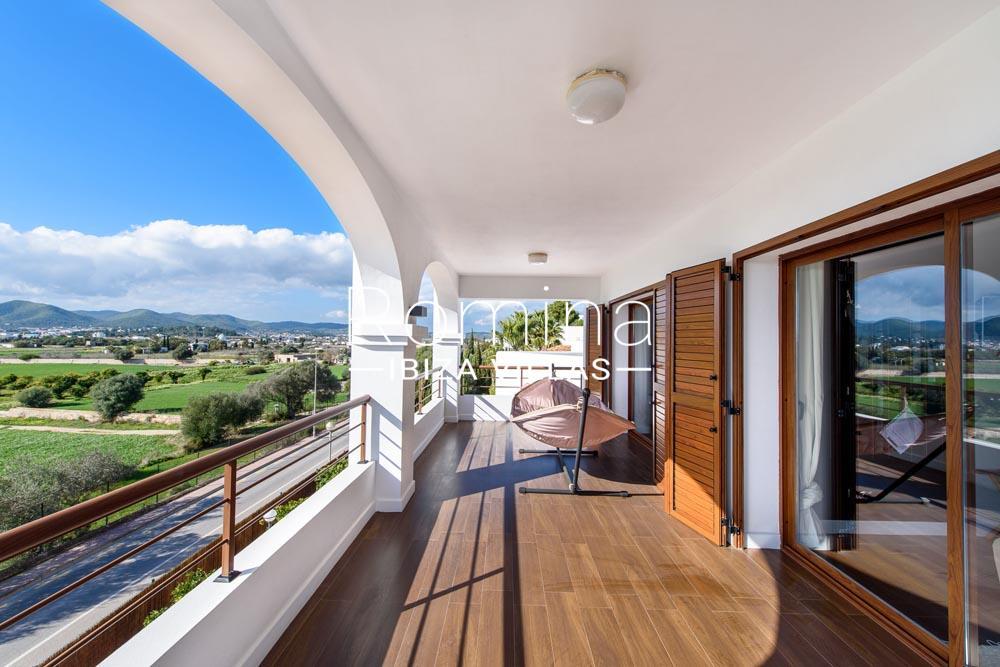 Villa aldiz 2terrace view of the hills romina ibiza villas for Villas 2018