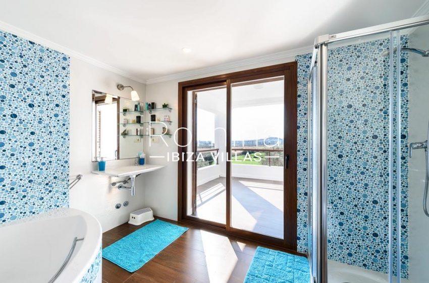 villa aldiz-5bathroom