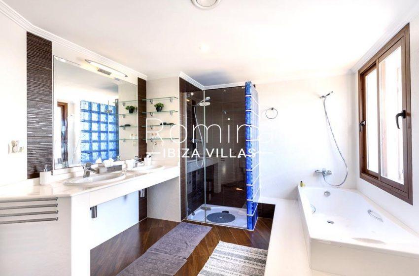 villa aldiz-5bathroom2