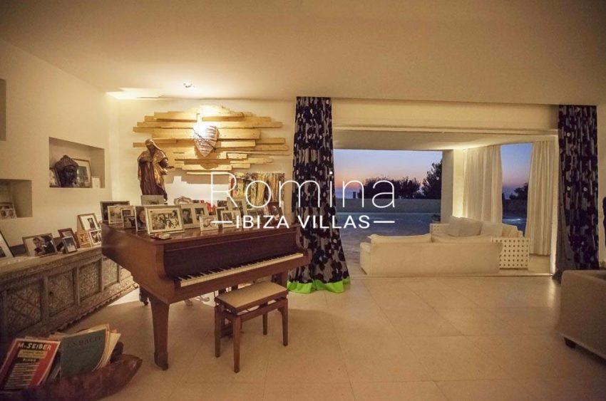 villa stella-3living room piano view sunset