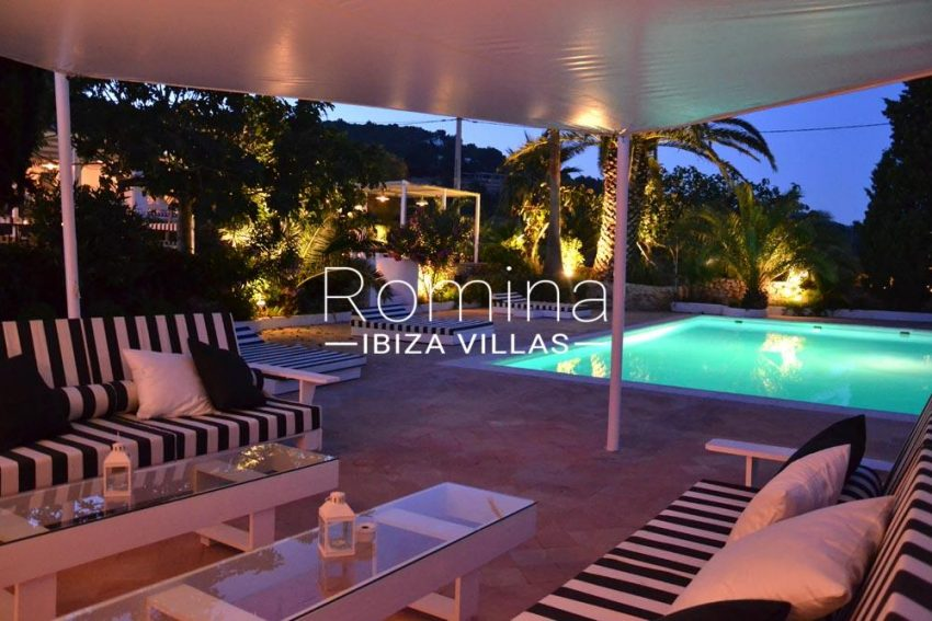 can graner ibiza-2terrace and pool by night