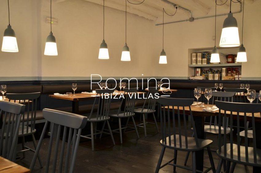 can graner ibiza-3restaurant tables