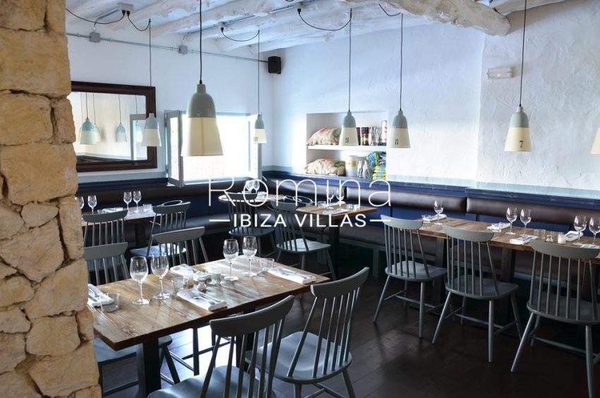 can graner ibiza-3restaurant tables2
