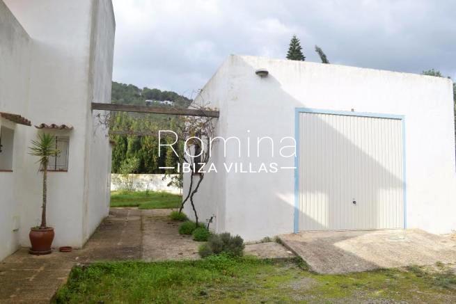 casa alde ibiza-2garage