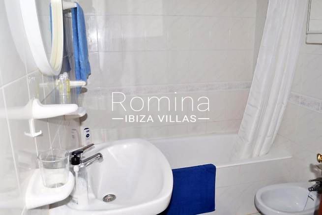 casa alde ibiza-5bathroom2