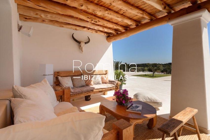 villa hegan ibiza s-2covered terrace3