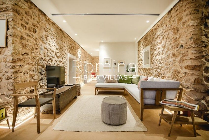 villa yundal J Ibiza-3guest house living room1