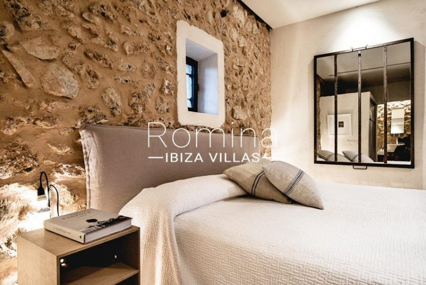 villa yundal J Ibiza-4guest house bedroombis