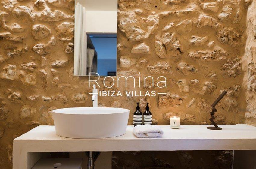 villa yundal J Ibiza-guest house bathroom