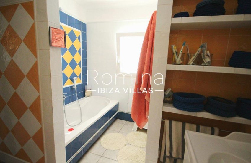 apartamento conta mar ibiza-5bathroom