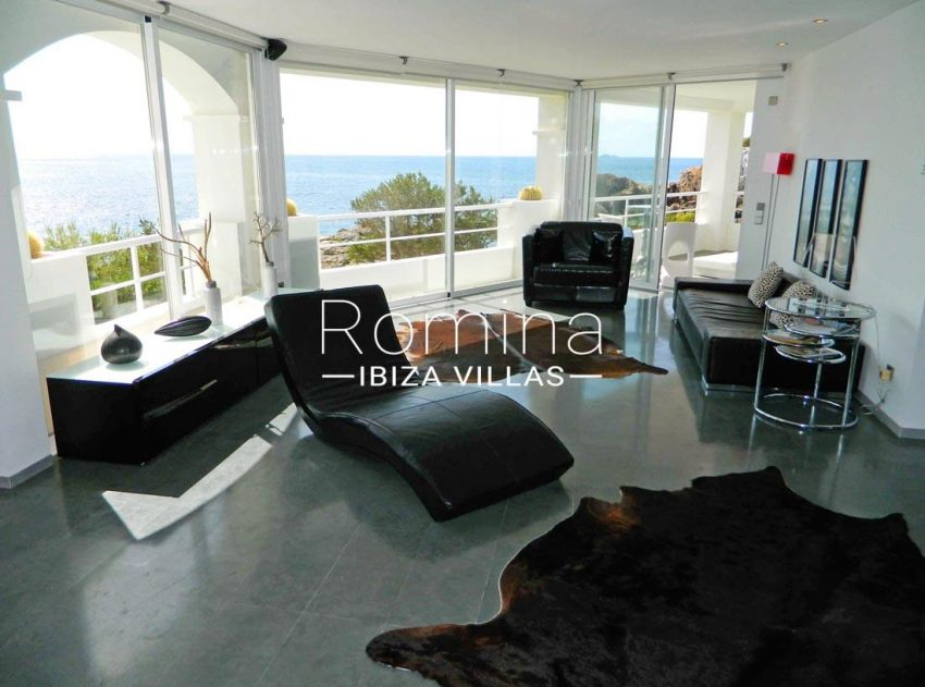 apto bellas vistas ibiza-3living room sea view2