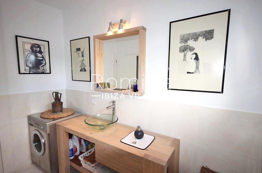 villa colinas ibiza-5bathroom2