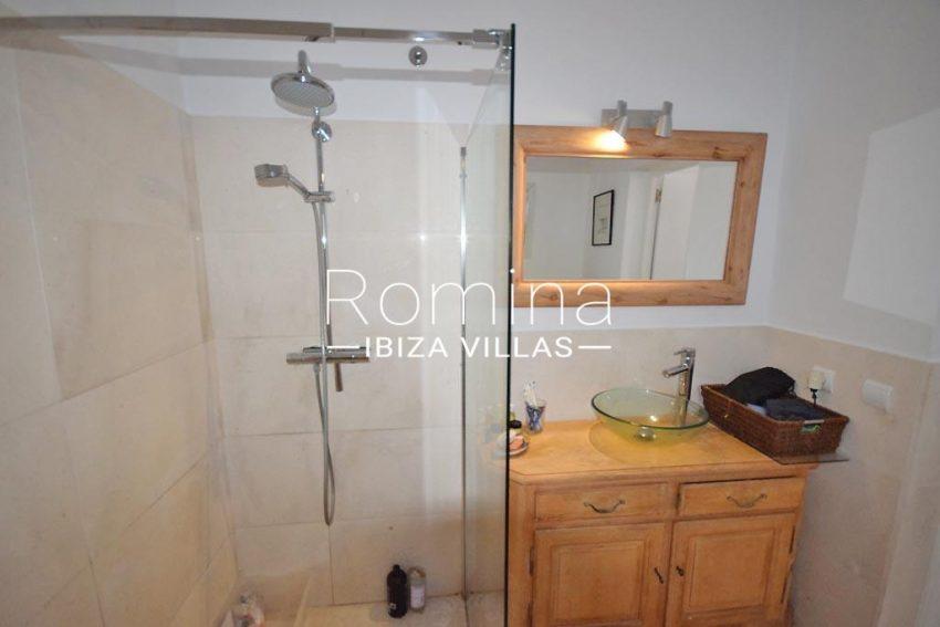 villa colinas ibiza-5shower room