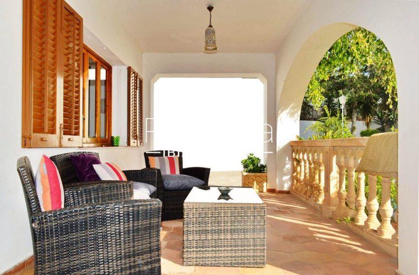 villa elora ibiza-2porche sitting area