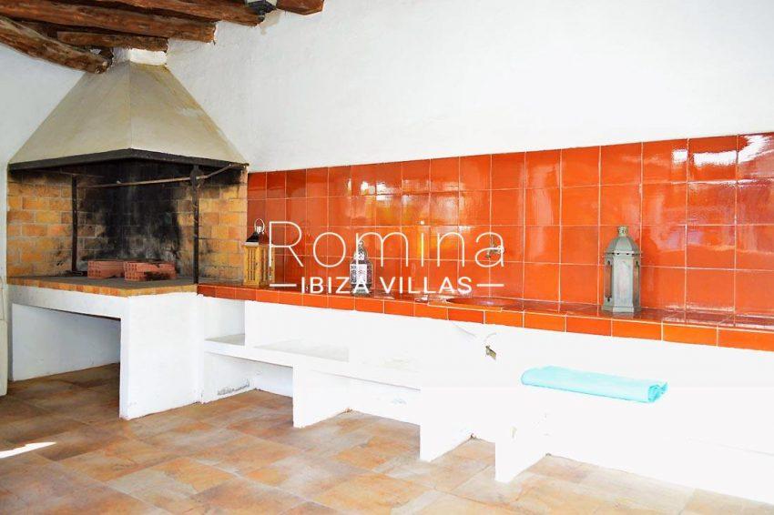 villa elora ibiza-2terrace barbecue