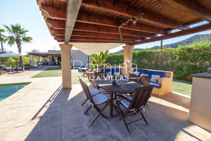 villa nati ibiza-2pool house dining area