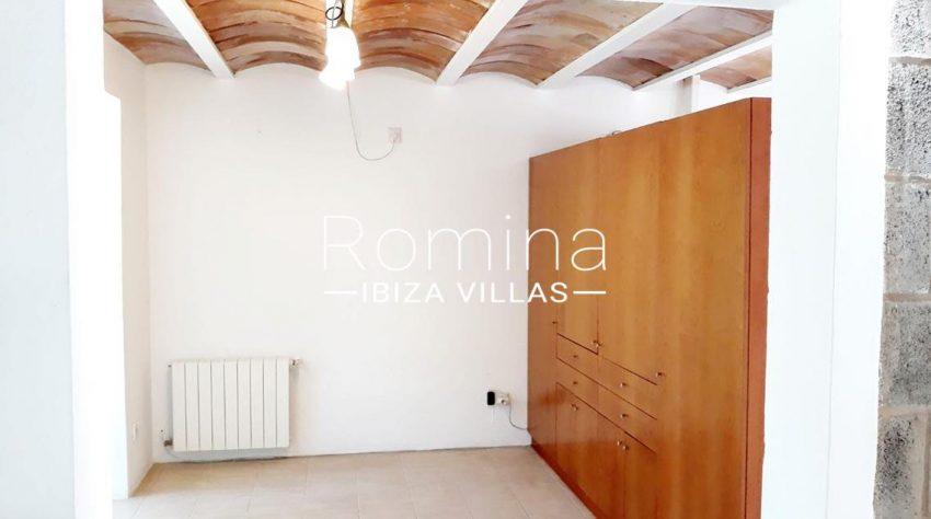 villa suzie ibiza-4bdroom wardrobes