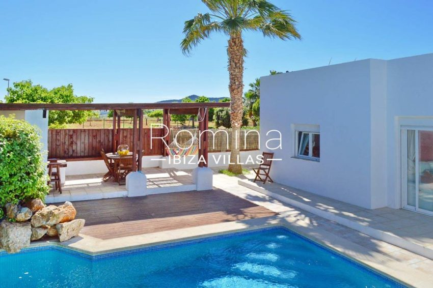 casa izar ibiza-2pool terrace