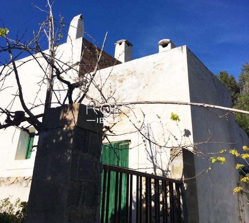finca albaricoque ibiza-2house gate