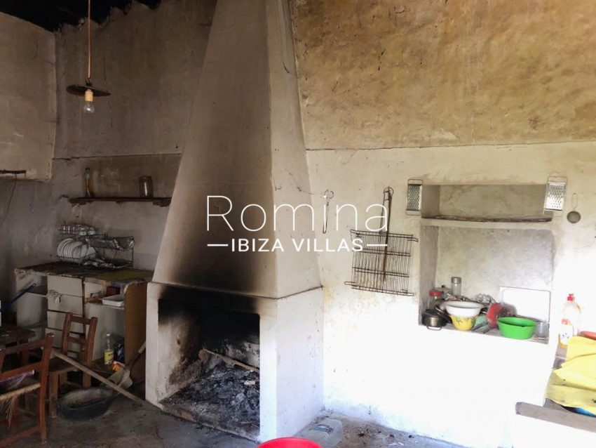 finca albaricoque ibiza-3zkitchen fireplace