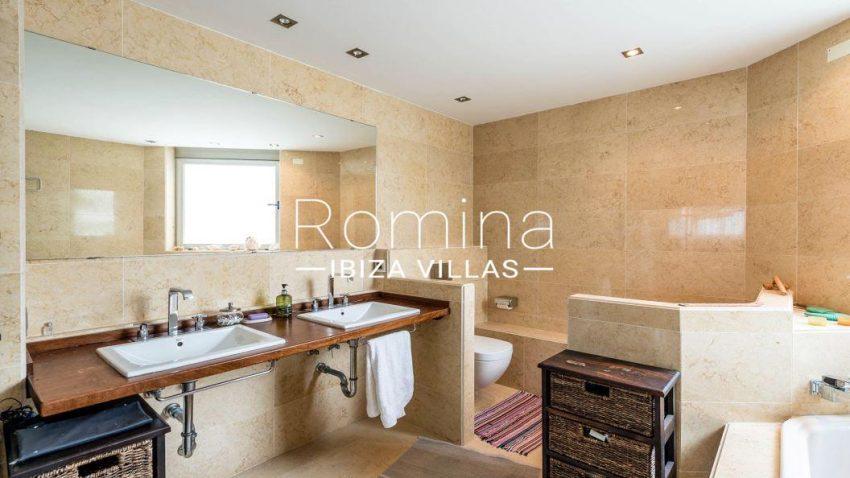 villa ederra ibiza-5bathroom shower