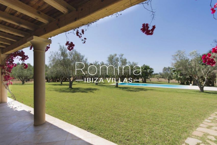 villa hori ibiza-2lawn pool