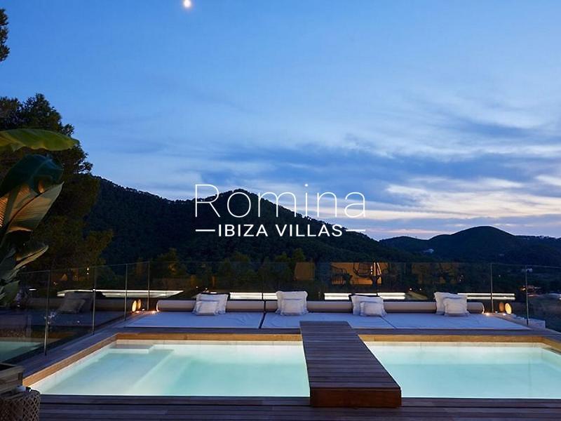 villa mendi ibiza-2pool by night