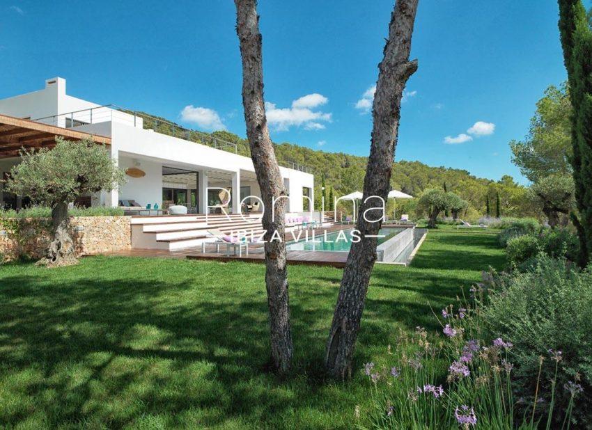 villa nahiko ibiza-2pool garden
