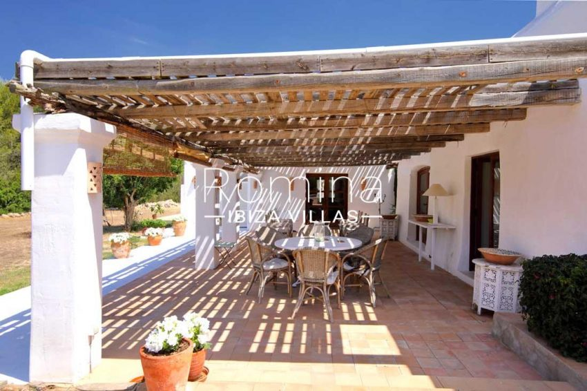 can gats ibiza-2terrace dining area