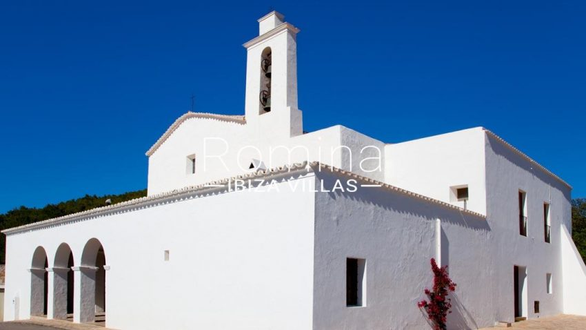 can pedra ibiza-2church