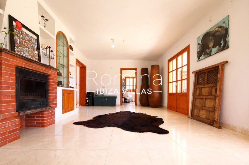 casa bassa ibiza-3living room2