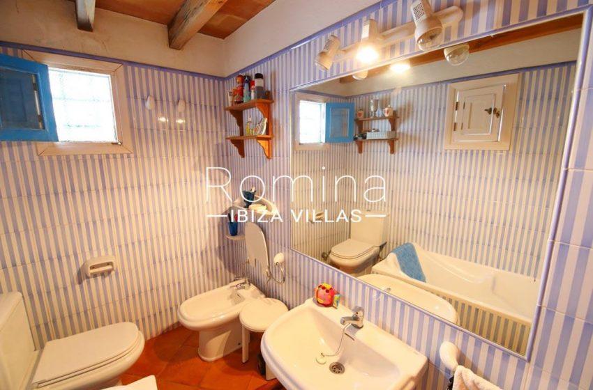 casa luz ibiza-5bathroom