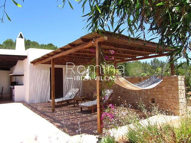 finca camino blanco ibiza-2pergola terrace hammock