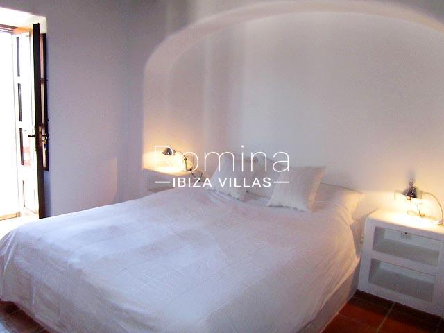 finca camino blanco ibiza-4bedroom white