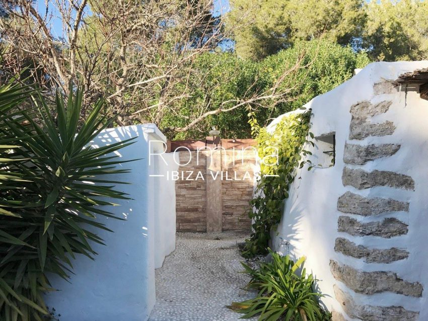 finca lina ibiza-2outdoor shower