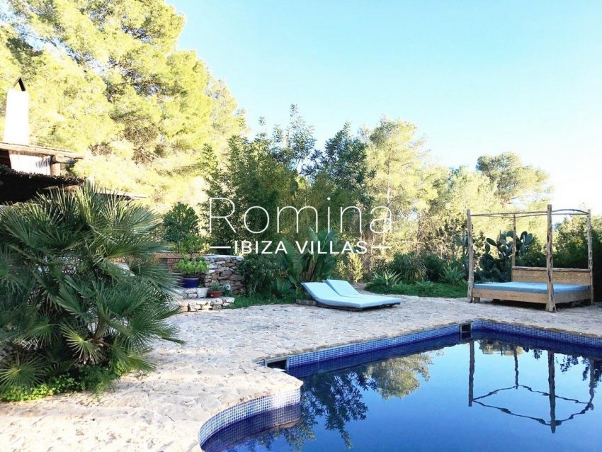 finca lina ibiza-2pool chilL out
