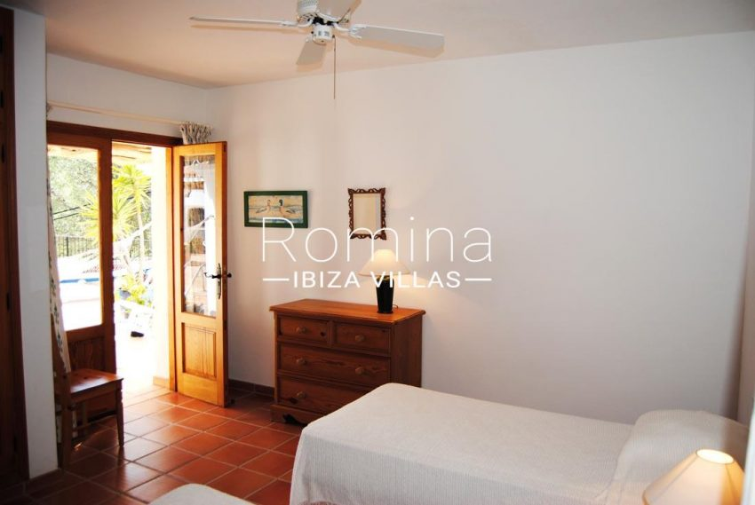 villa enia ibiza-4bedroom twin terrace