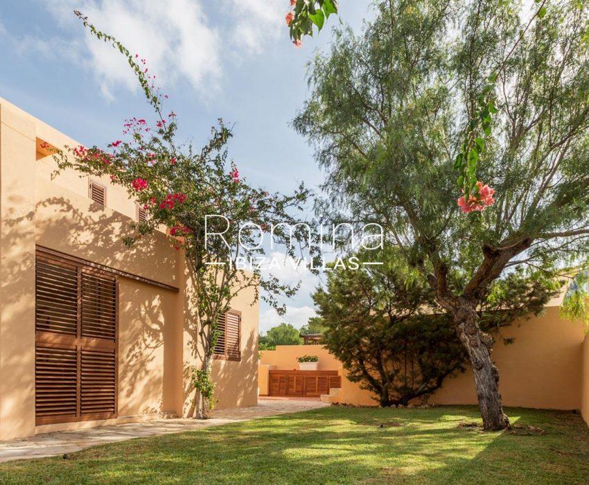 villa umber ibiza-2garden tree