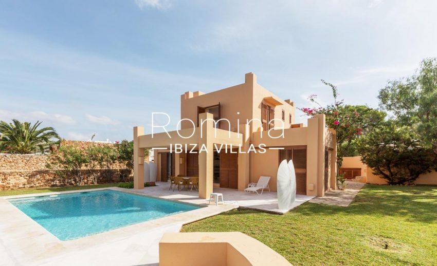 villa umber ibiza-2pool facade