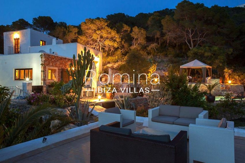 villa zaldi ibiza-2terraces night