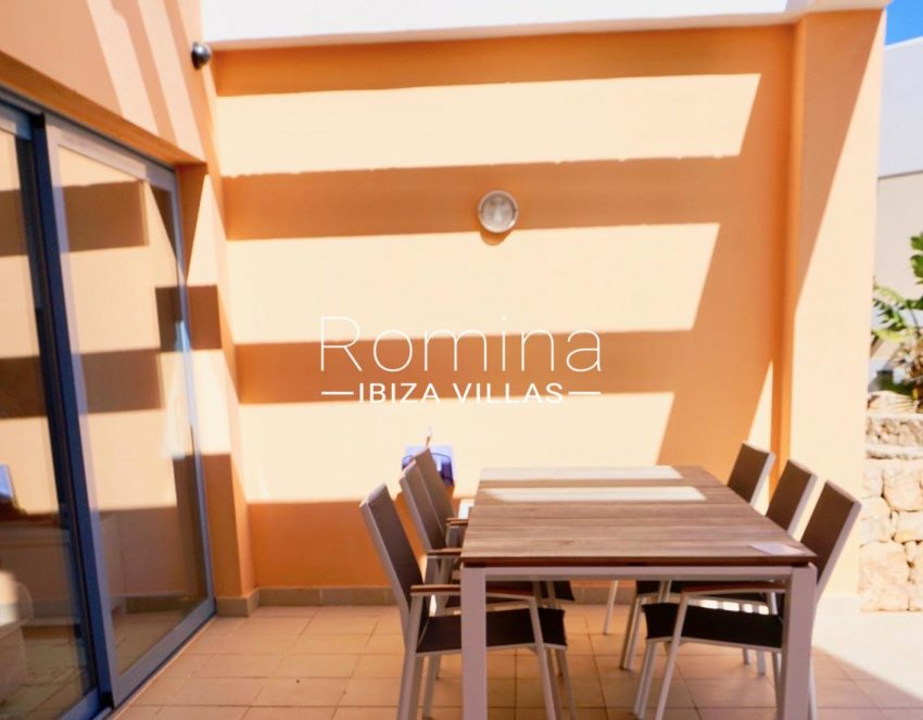 adosado cala tarida ibiza-2terrace dining area