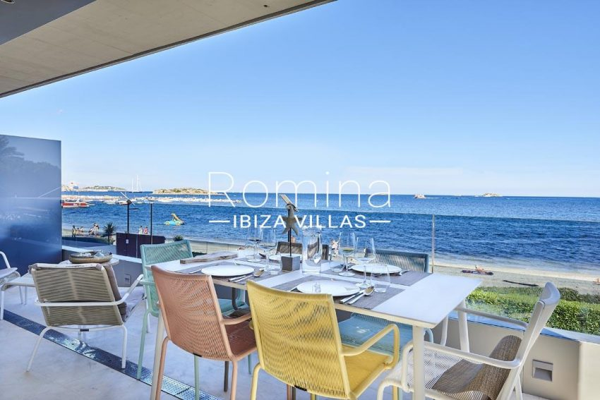 apto playa mar ibiza-1terrqce dining area sea view