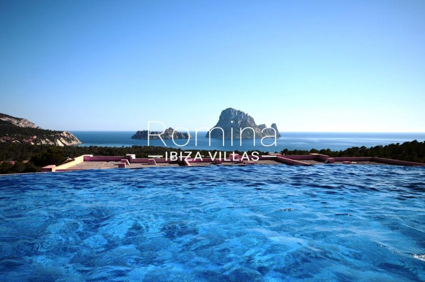 apto roca ibiza-1pool sea view