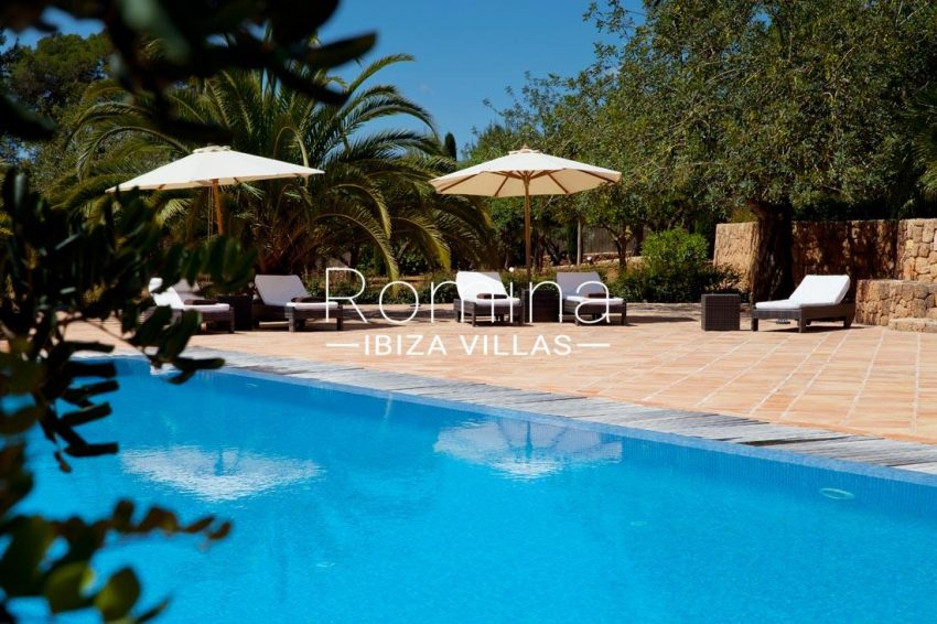 can vicent rafal ibiza-2pool terrace deckchairs3
