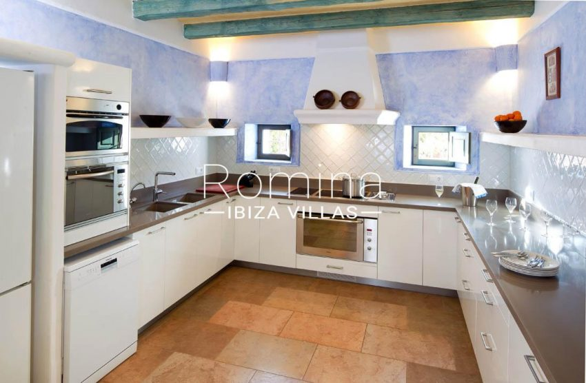 can vicent rafal ibiza-3zkitchen2